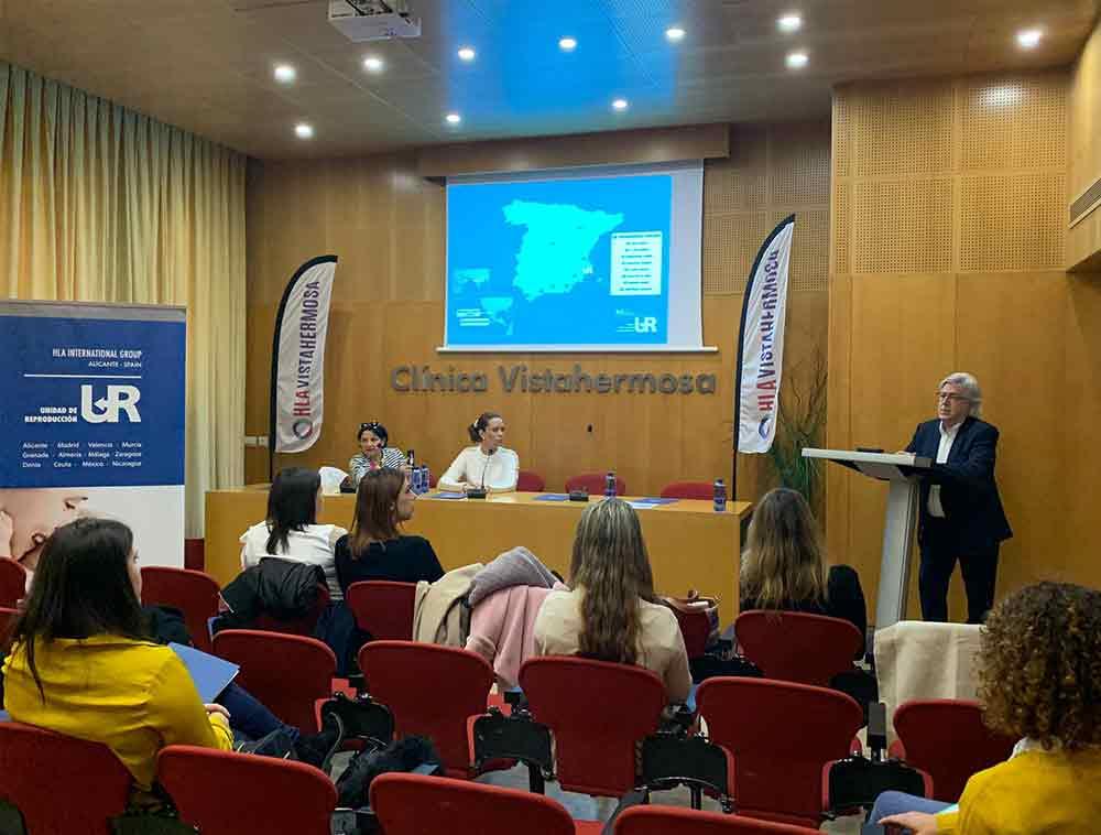 El doctor López Gálvez y las comunicadoras Marian Cisterna y Rosa Maestro unidos en apoyo a la infertilidad